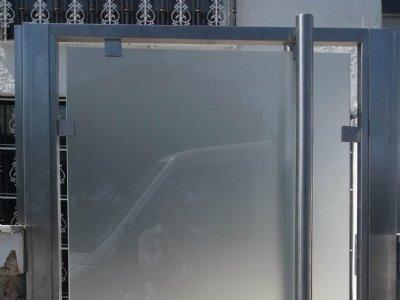 Portão em Inox e Vidro 1